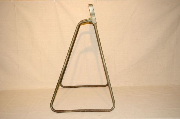 1090A: Vintage Johnson Outboard Motor Display Stand - 4