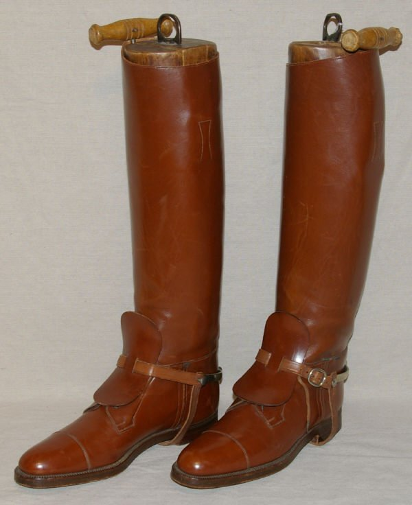 1417: Vintage English Riding Boots & Spurs Manfield