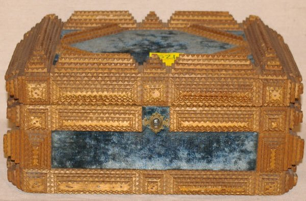 1521: Tramp Art Document Box