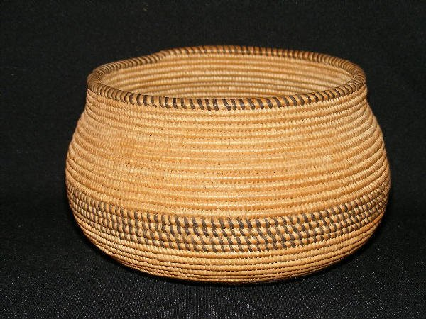 1563: Chemehuevi Olla Indian Basket