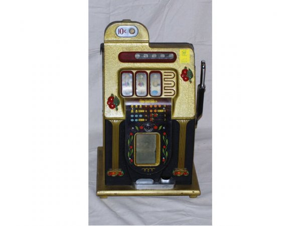 34: Mills Novelty Company 10 Cent Slot Machine