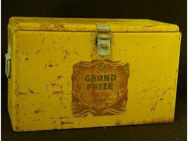 524: Vintage Grand Prize Beer Cooler Ice Chest