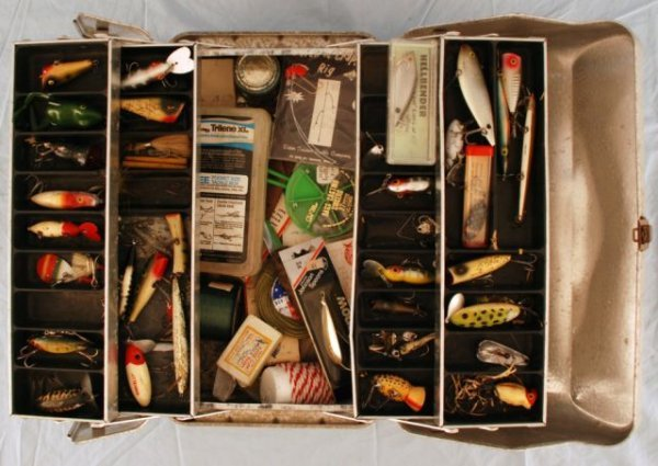 517: Tackle Box With Assorted Fishing Lures