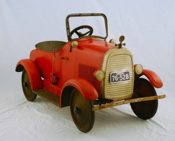 44: 1920s Steelcraft Lincoln Pedal Car - 3