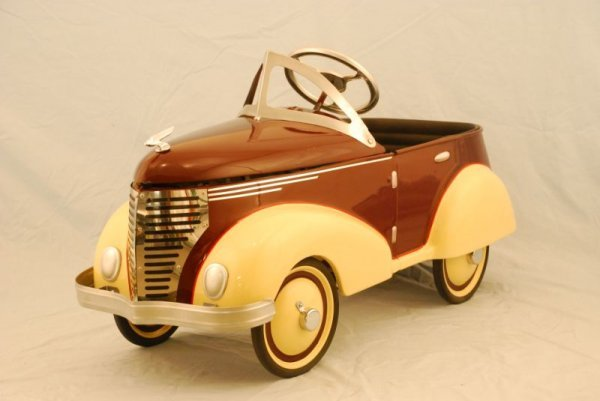 72: 1937 Garton Ford Pedal Car