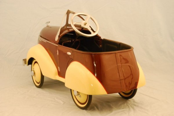 72: 1937 Garton Ford Pedal Car - 3
