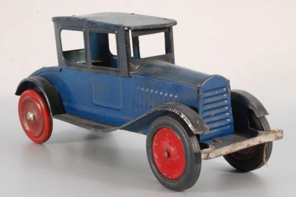 5: Dayton Tin Toy Friction Car