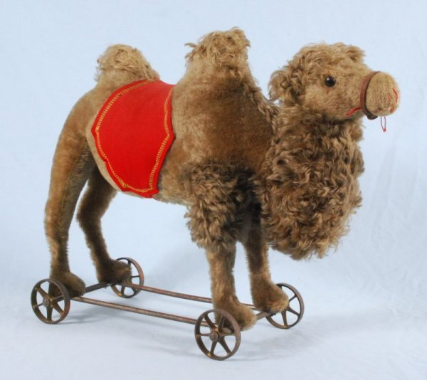 28: Steiff 2 Hump Camel Pull Toy