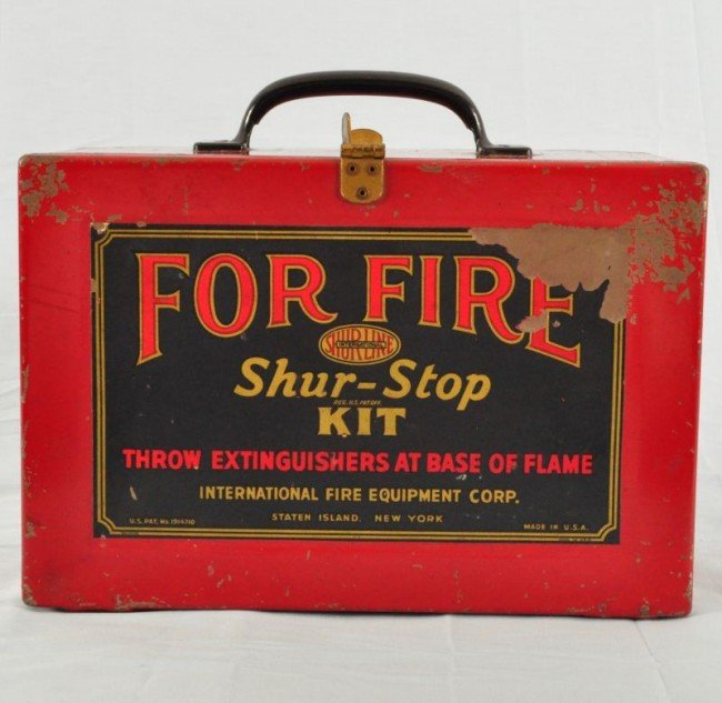 31: 6 Fire Extinguishers in Original Case NOS