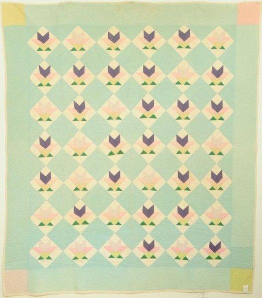 12: Tulip Pattern Texas Quilt