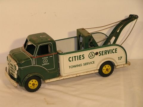 35: Cities Service Pressed Steel Toy Tow Truck Marx