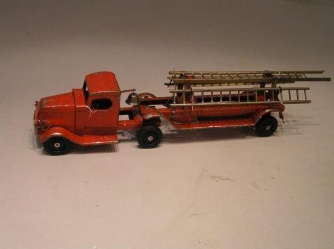 31: Vintage Turner Pressed Steel Fire Truck With Ladder