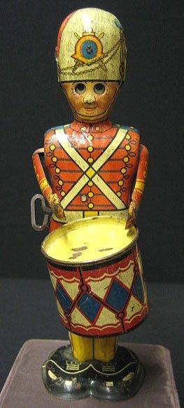 17: Marx Litho Tin Toy Drummer Boy