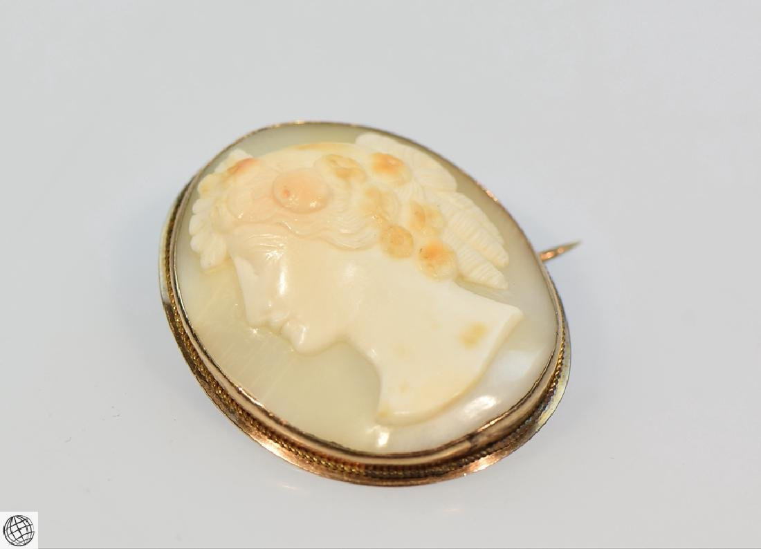 Antique 10K Gold Victorian CARVED SHELL CAMEO Brooch