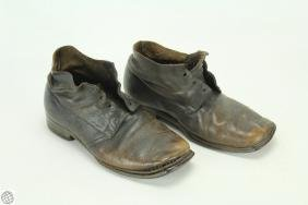 Antique BROWN LEATHER ANKLE BOOTS NAILED LEATHER SOLES