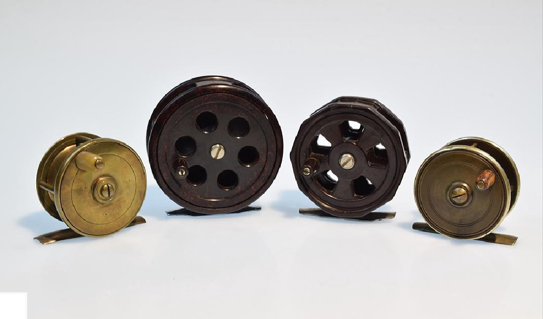 4 Pcs Bakelite Brass VINTAGE FLY FISHING REELS Circa