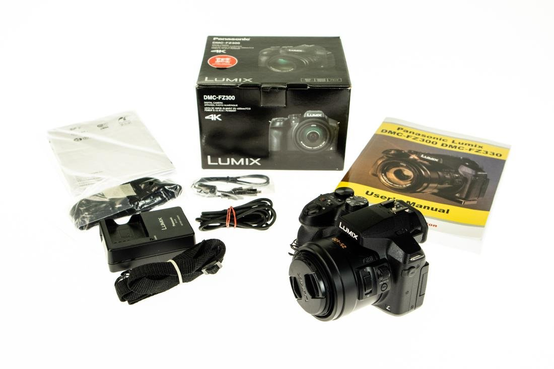 24x Leica Lens PANASONIC LUMIX DMC-FZ300 DIGITAL CAMERA