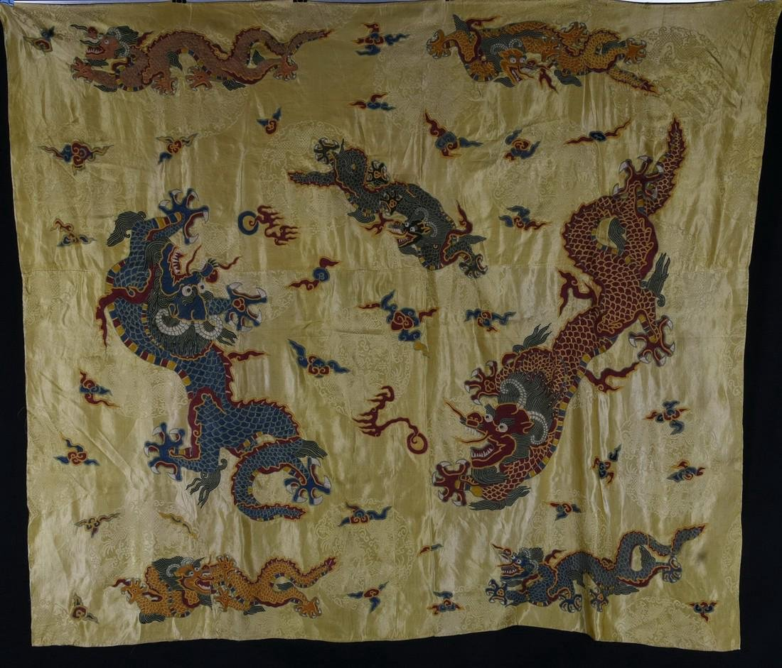 A DRAGON SILK TEXTILE