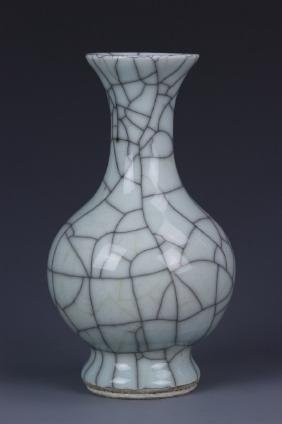 Chinese Antique Ge Ware Vase