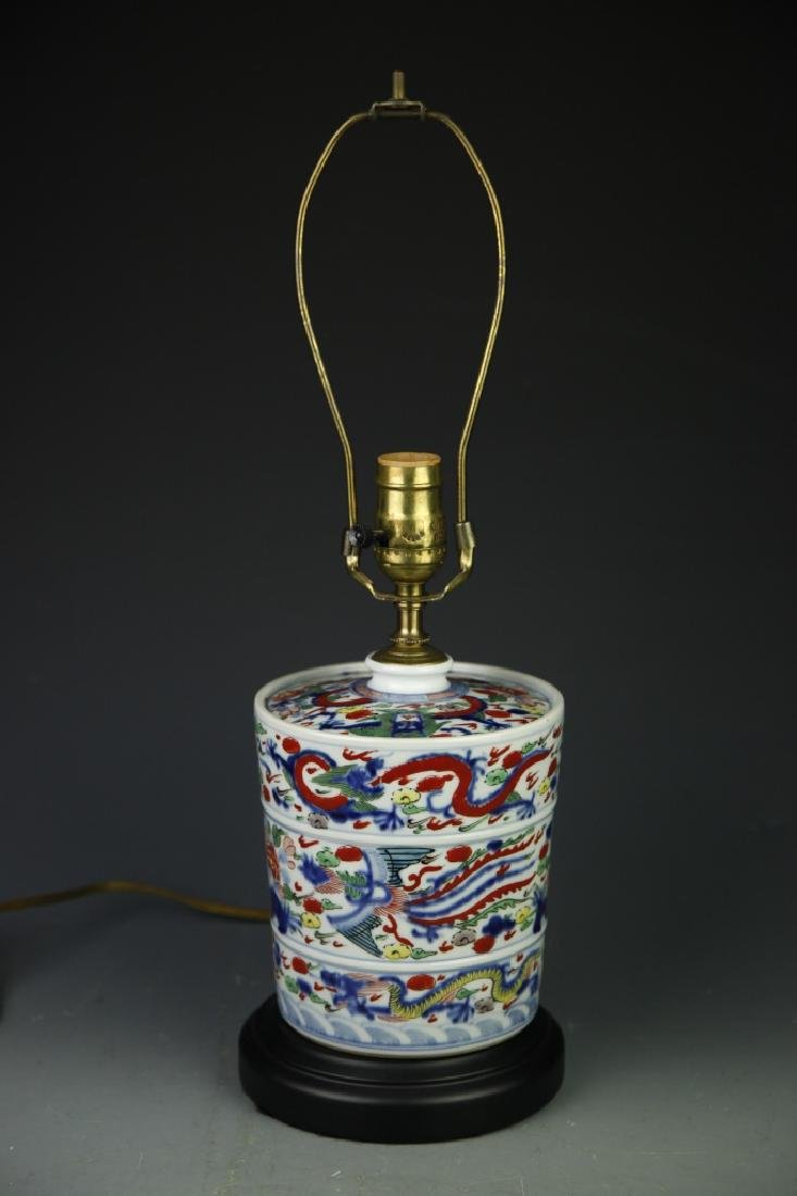 Pair Of Chinese Wucai Lamps - 4