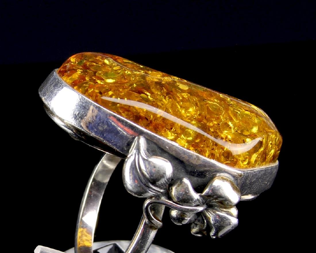Three Pieces of Amber and Silver Jewelry - 4
