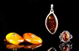 Four Chinese Amber Pieces