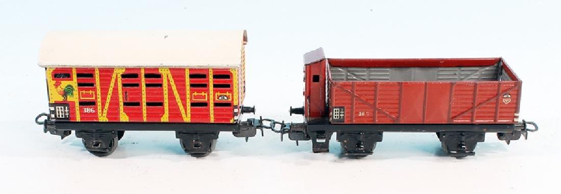 2 MARKLIN Blechgueterwagen