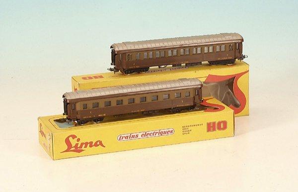 6: 2 LIMA Personenwagen der FS 9101 u. 9102