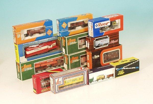 11: Konvolut Güterwagen, verschiedene Fabrikate