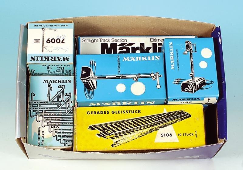 Konvolut MARKLIN Gleise, Oberleitungen und Signale