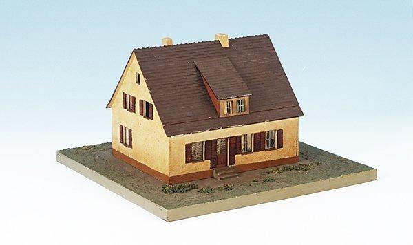 4: Sparkassen-Werbemodell, Einfamilienwohnhaus