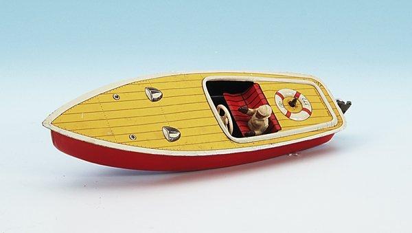 19: CKO Rennboot 372