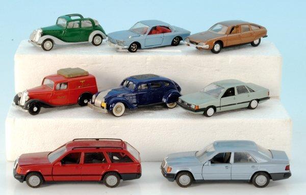 8 Miniatur-Autos
