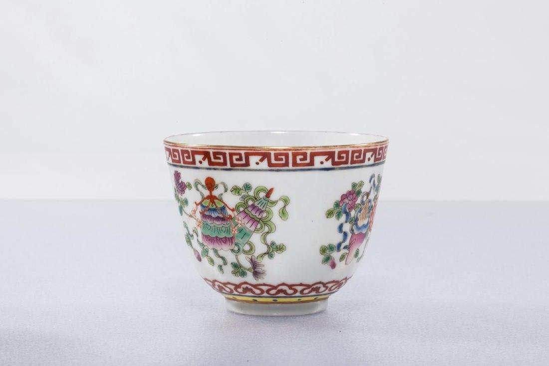 A Chinese Famille Rose Porcelain Cup - 3