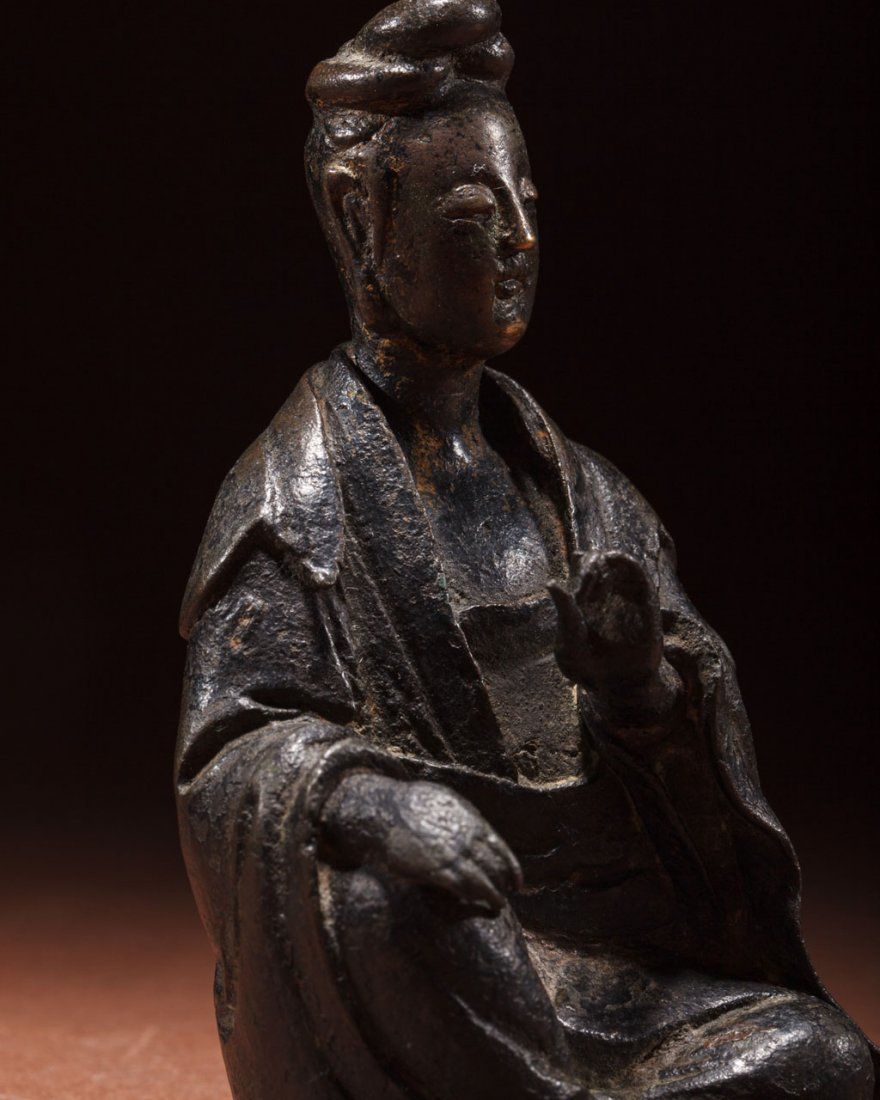A Chinese Bronze Figure of Guanyin - 5