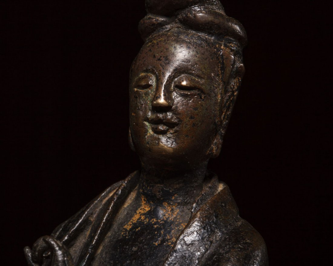 A Chinese Bronze Figure of Guanyin - 8
