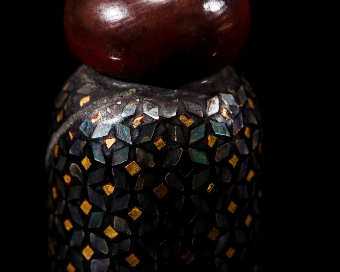A Japanese Mother-of-Pearl-Inlaid Lacquer Brush - 10