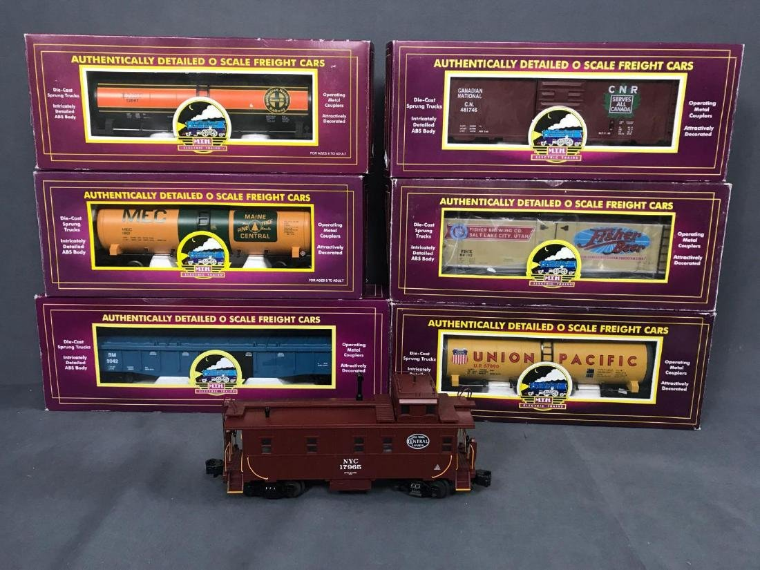 7 MTH O scale electric Freight train cars with caboose - 4