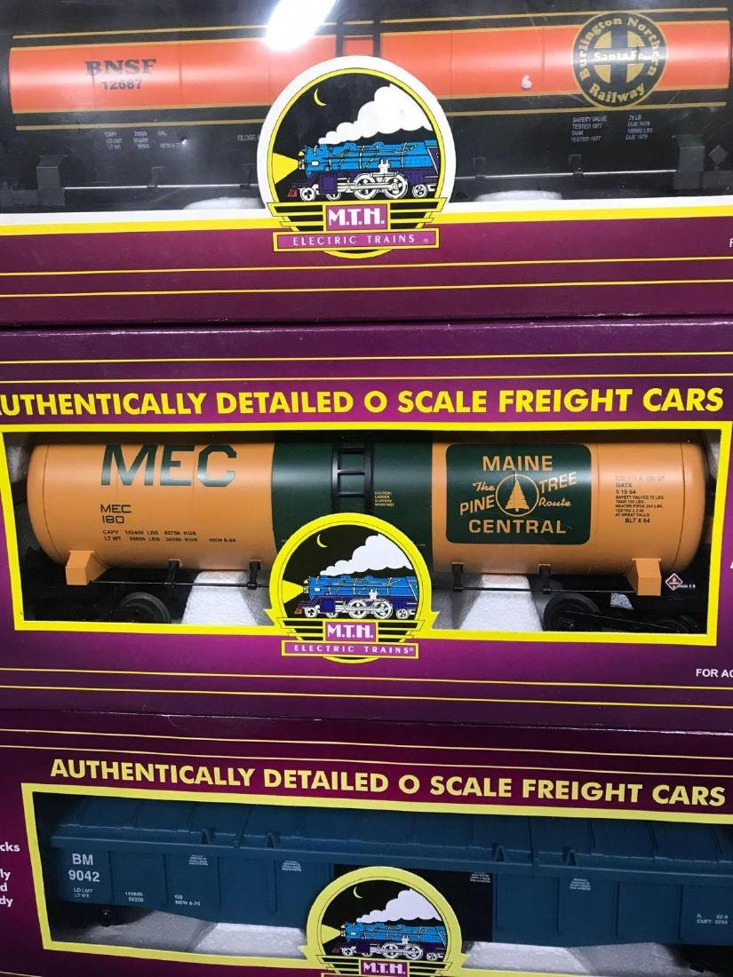 7 MTH O scale electric Freight train cars with caboose - 5