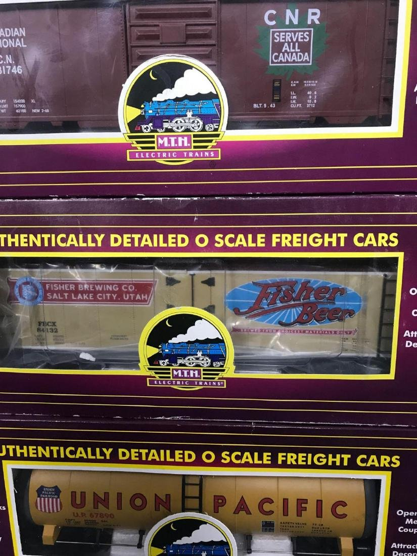 7 MTH O scale electric Freight train cars with caboose - 6