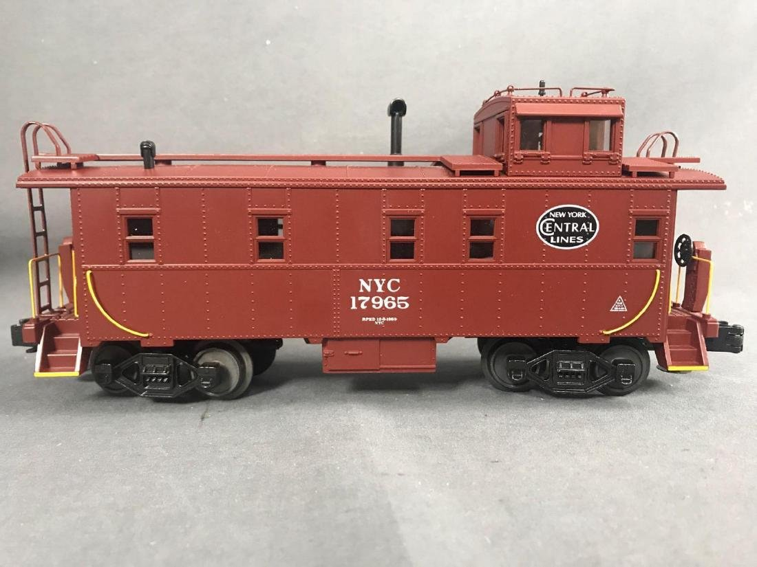 7 MTH O scale electric Freight train cars with caboose - 7