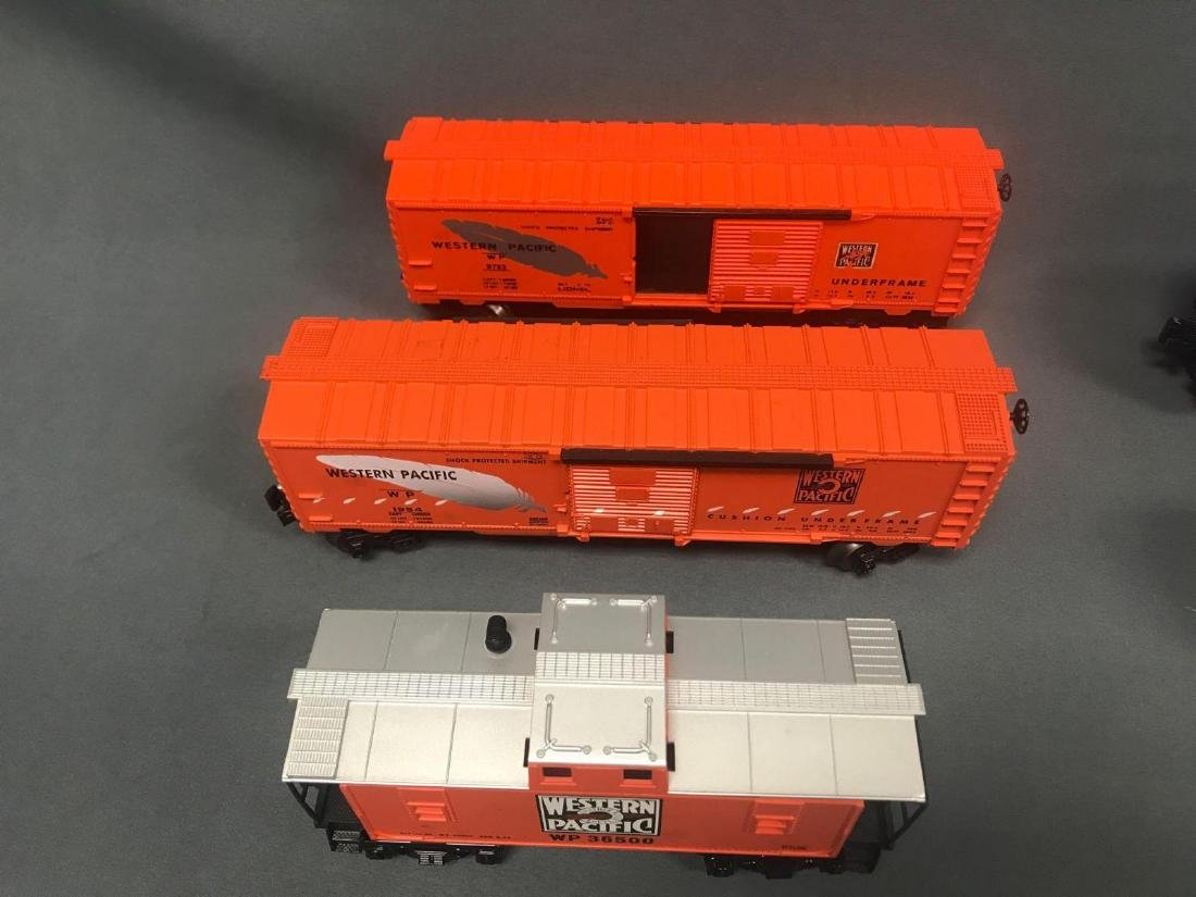 Lot of 9 Lionel O scale Freight cars - 2