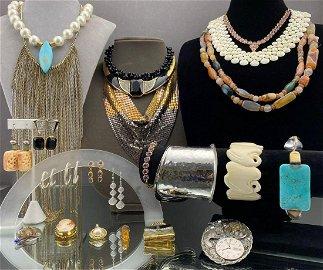 Large 30 Piece Jewelry Lot