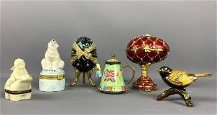 Six decorative items hinged opening, two eggs, one
