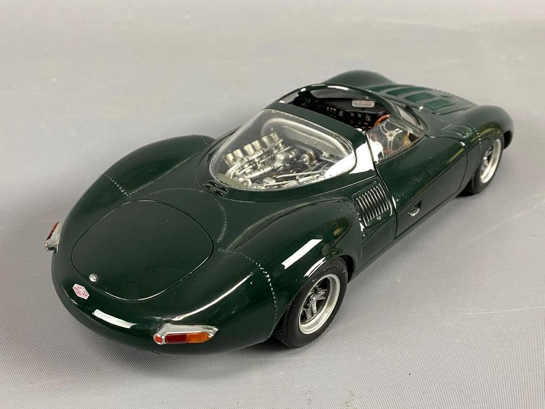 Autoart Racing Division Model Jaguar XJ