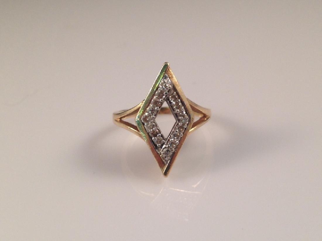 Vintage 14K YG Ring w/Diamond Accents.