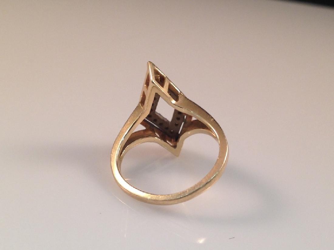 Vintage 14K YG Ring w/Diamond Accents. - 3