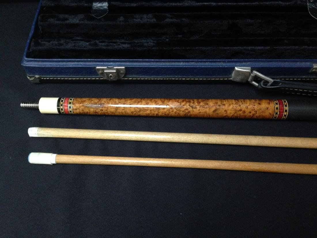 Vintage McDermott Pool Cue in Case. - 3
