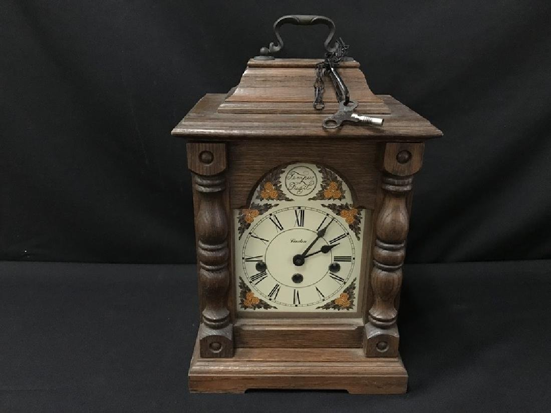 Linden Cathedral/Mantle clock w/Key