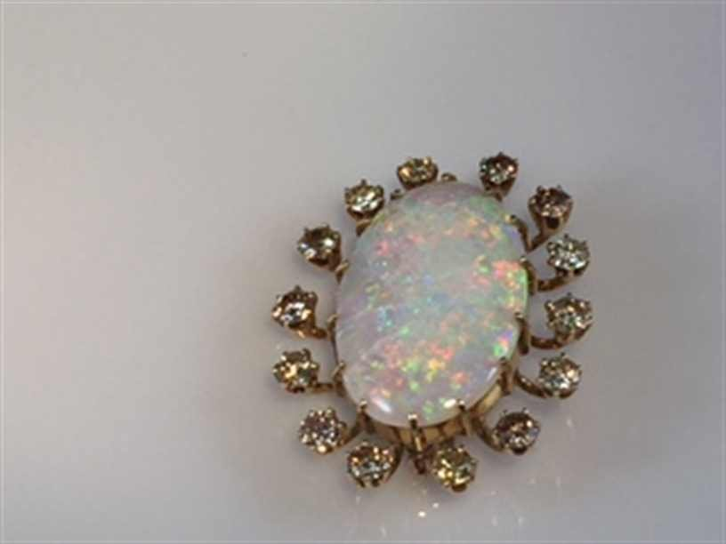 14K YG Opal and Diamond Brooch. - 2